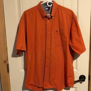 NICE MENS XL SHIRT BY TOMMY HILFIGER